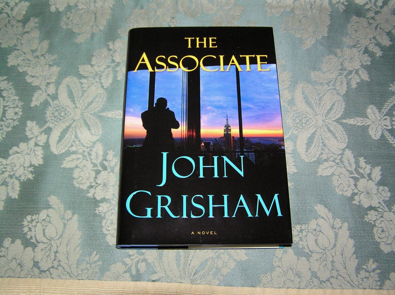 the associate john grisham pdf